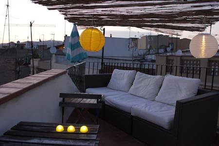 Barcelona hip studio w/ roof terrace - Barcelona