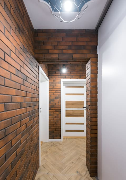 The corridor connecting two bedrooms - lockable from the outside