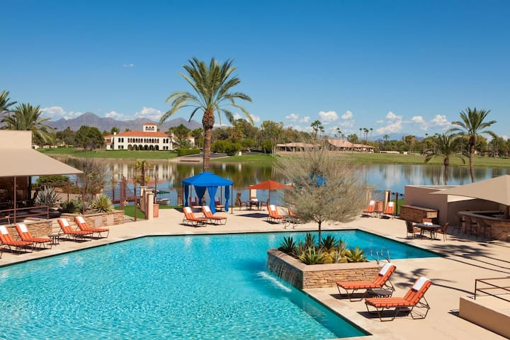 12 room Scottsdale Resort Villa Golf & Lake view