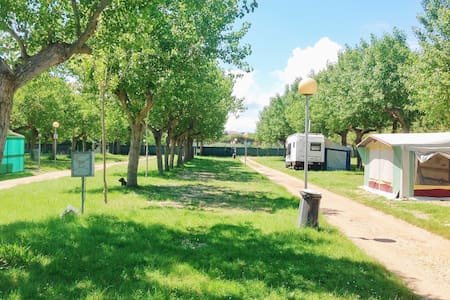 Caravan with kitchen and aircondition for 4 person - Riccione