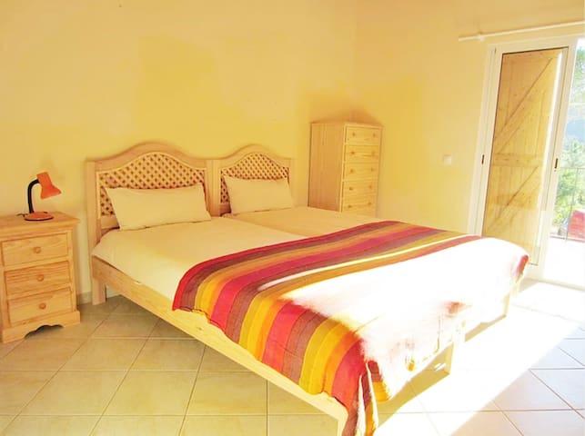 "Shangri-La Guesthouse ""Seline"" Room"