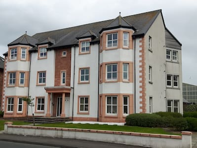 Superb Apartment for the Open visitors - Prestwick