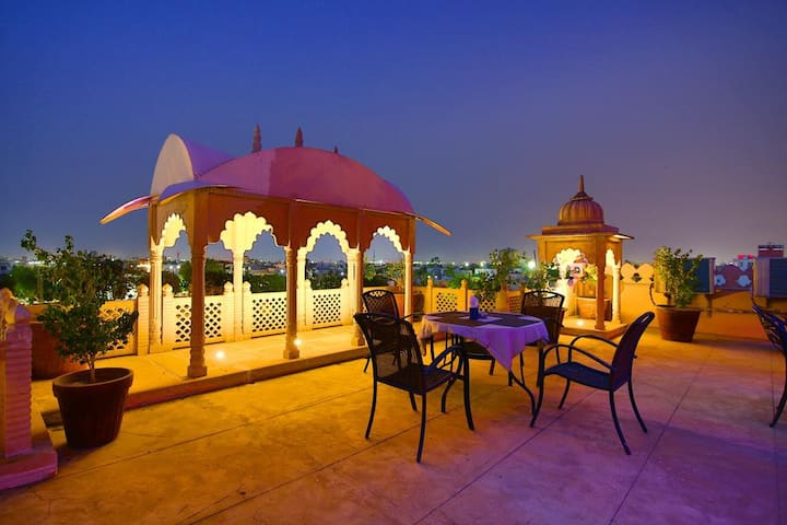 Royal Deluxe Room at Shree Villas for group of 10