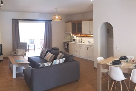 Loutraki Penthouse 3 minutes walk from the beach!
