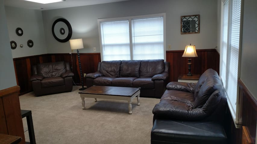 Farmdale House-Family friendly!