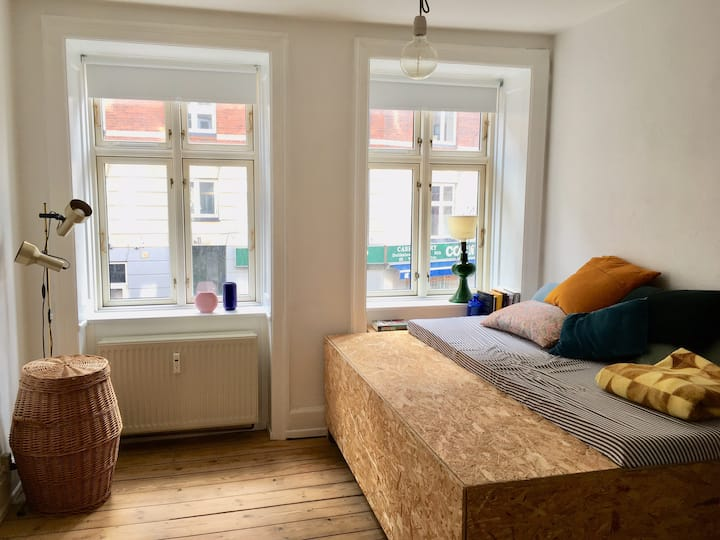 Cosy authentic apartment  in the heart of Nørrebro