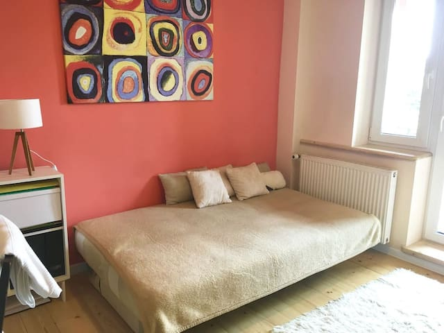 single/double room in a family house