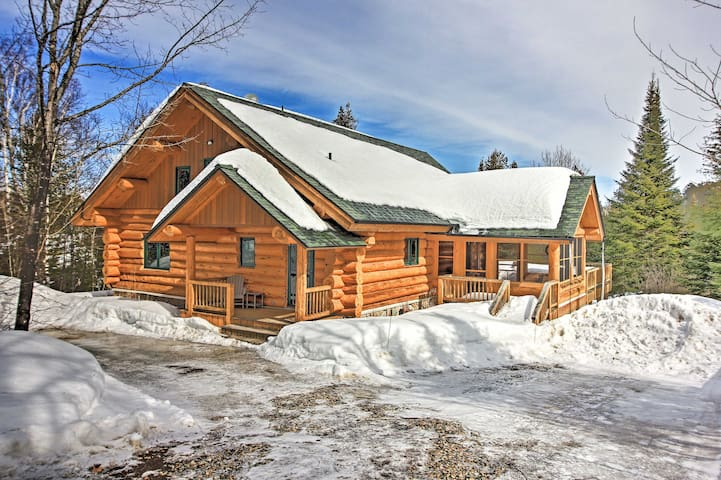 NEW! Lakefront Log Cabin w/Dock ~9Mi to Lutsen Mtn