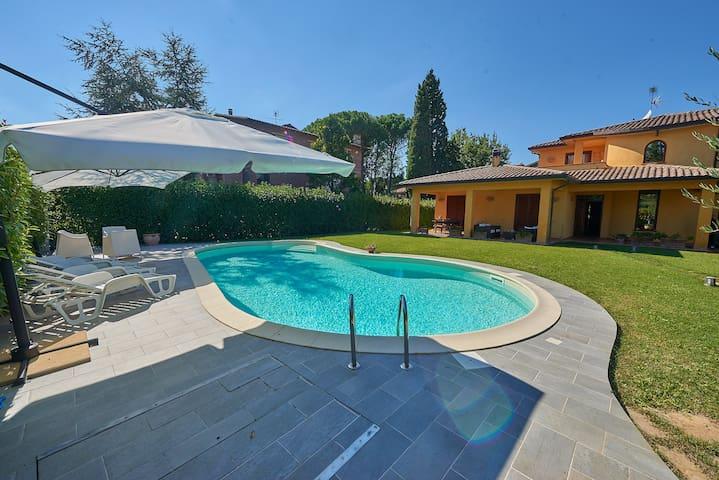 Appartamento in Villa a 20minuti da Perugia e Todi