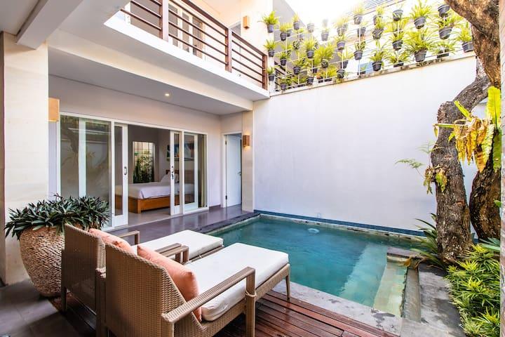 Kia's Suite in Private Pool Villa in Seminyak