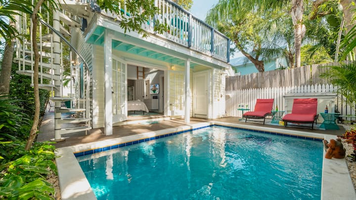 **SUGARPOPPY COTTAGE @ OLD TOWN** Private Home + Private Pool & LAST KEY SERVICES