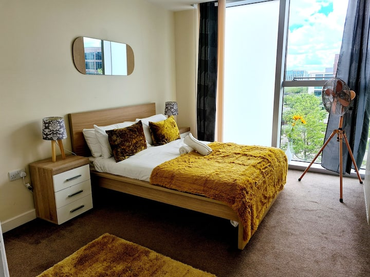 Central MK @HUB flat for 3ppl.Walk to station&City