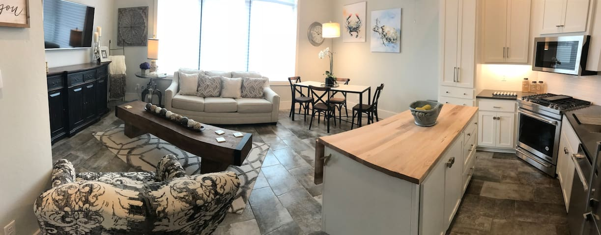 HEART OF DOWNTOWN OKC - Private Townhome