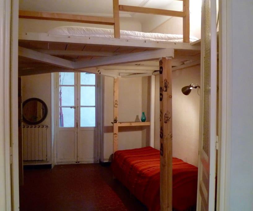 Chambre avec mezzanine sur terrasse appartements louer marseille provence alpes c te d - Chambre a louer marseille ...