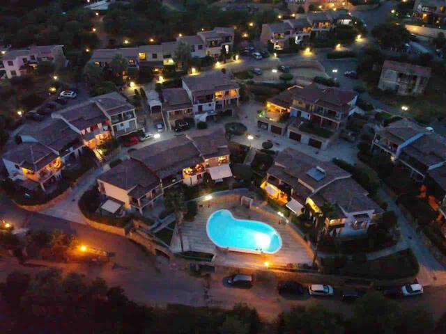 Budoni, Agrustos, Sardinia: vista mare con piscina