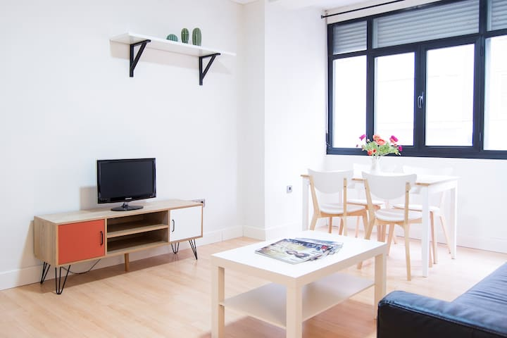 CENTRAL AND BRIGHT APARTMENT (AC&WIFI)