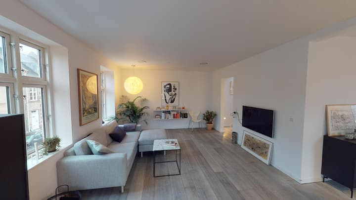 Townhouse Apartment with Perfect Location