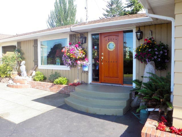 Qualicum House Bed and Breakfast
