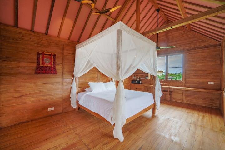 Kesambi 3, romantic wooden house