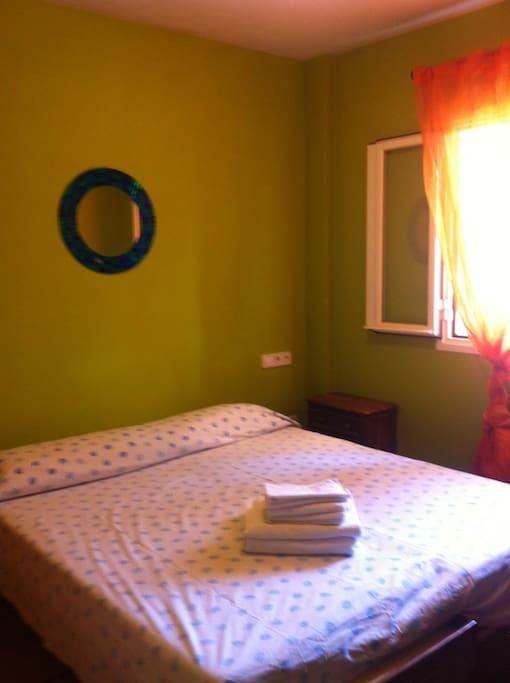 habitacion con cama matrimonial - stessa camera da letto con letto matrimoniale
