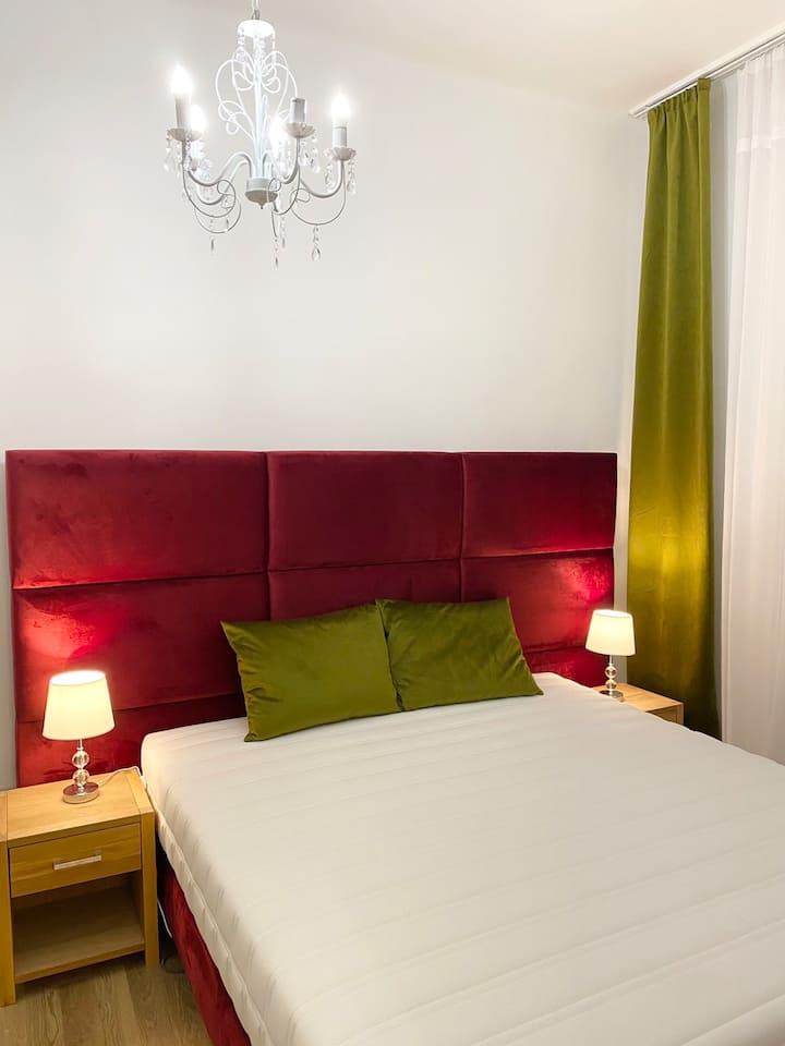 Polgári luxus apartman, Tata szívében