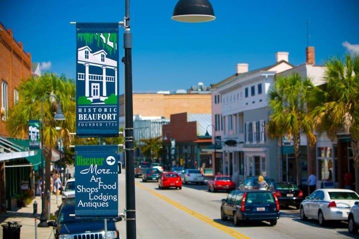 Downtown Beaufort Shops 10 Min Away