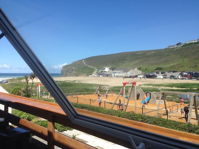 Ocean view apartment. Sleeps 4(+2) - Porthtowan - Apartemen
