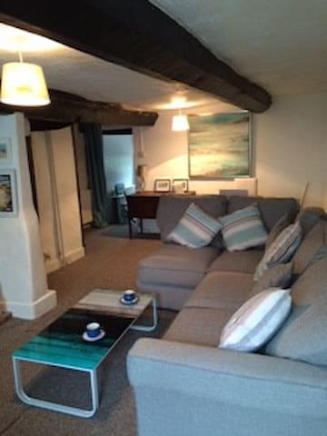 2 bed cottage/wifi/garden/nr Sidmouth.