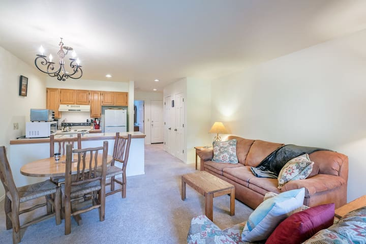 Ski in/ ski out one bedroom on the West End