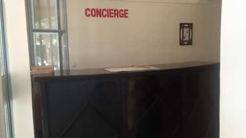 STUDIO S4 privé climatisé,  Résidence du Centre