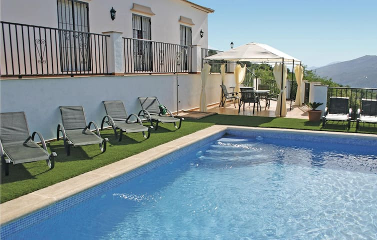 Holiday cottage with 3 bedrooms on 150 m² in Iznájar