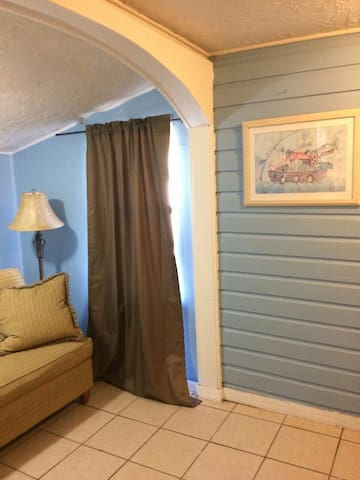 NICE APT. 2 Bedroom close Downtown Area,LIDO Beach