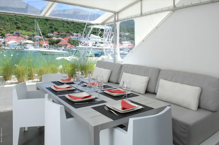 Luxury villa with Harbour view in heart  Gustavia