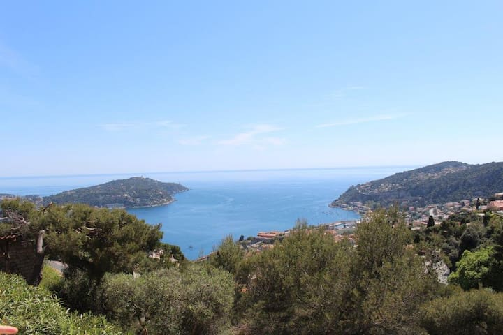 Luxury villa with incredible views close to Nice
