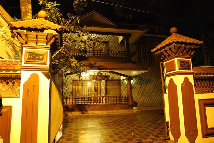 Beautiful Home stay  Near Santa Cruz Basilica