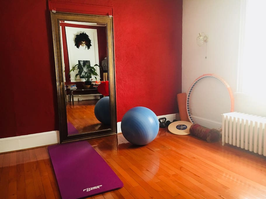 Living room- yoga/ exercise area