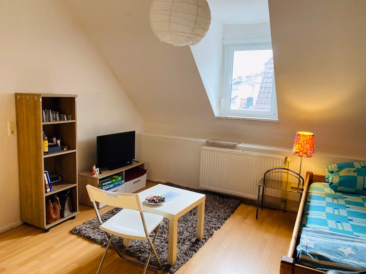 Private Room close to Stadtmitte, Bahnhof and Uni