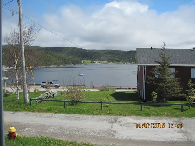 Cozy Two Bedroom House in the Heart of Gros Morne
