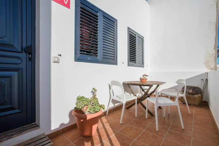 """Holiday Home """"Casa Carmen Dolores"""" with Garden & Terrace; Parking Available, Pets Allowed"""