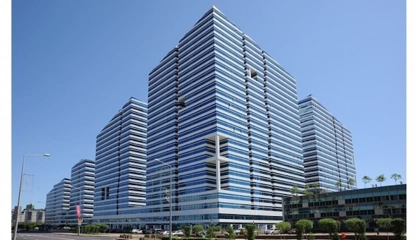 2 х комнатная люкс квартира в центре столицы