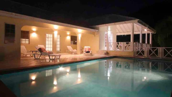 3 Bedroom Villa with own pool near Jolly Harbour