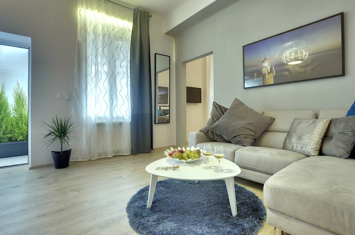 D&A City Center Standard One Bedroom Apartment