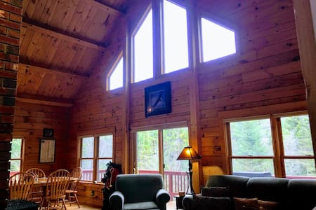 ★SPACIOUS Log Home/Minutes to BrettonWoods/Cannon