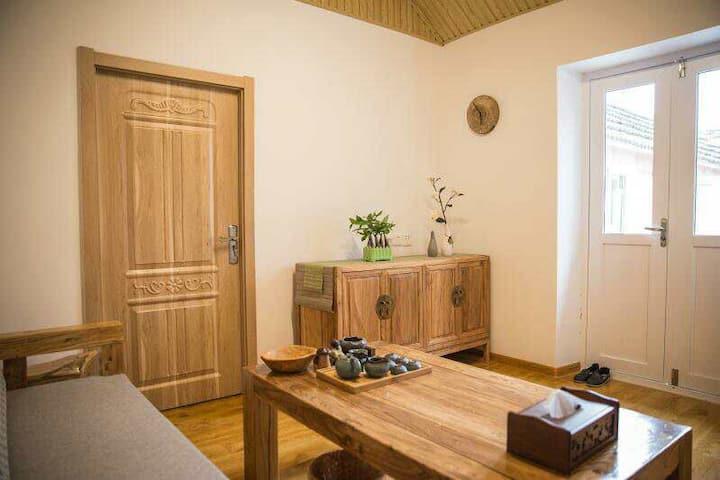 一间瓦房——新中式风格保存了石屋最原始的风貌,让你亲身感受百年渔村的时光流转