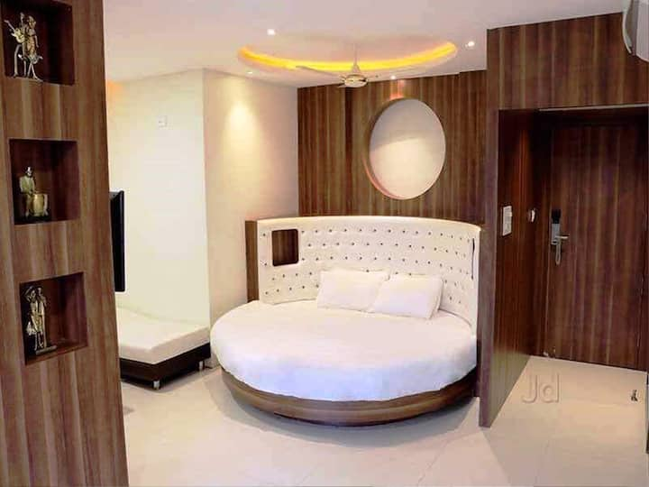 Lake View Suite Room @Sudarshan City Walk, Bhopal