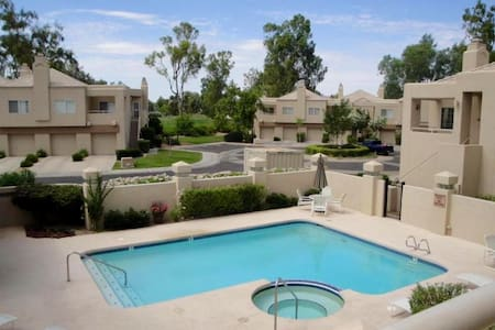 Beautiful remodel in Gainey Ranch! - Scottsdale  - Appartement en résidence