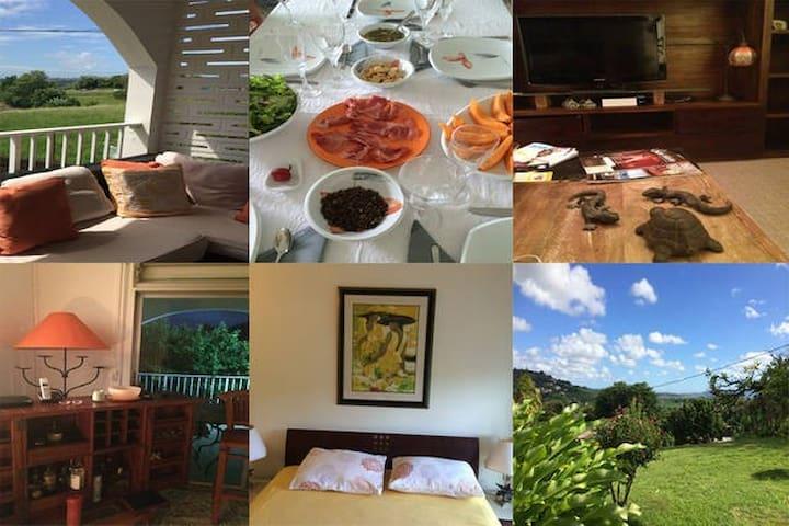 La Colline Bed & Table L 2 pers. - Le Lamentin  - Hus