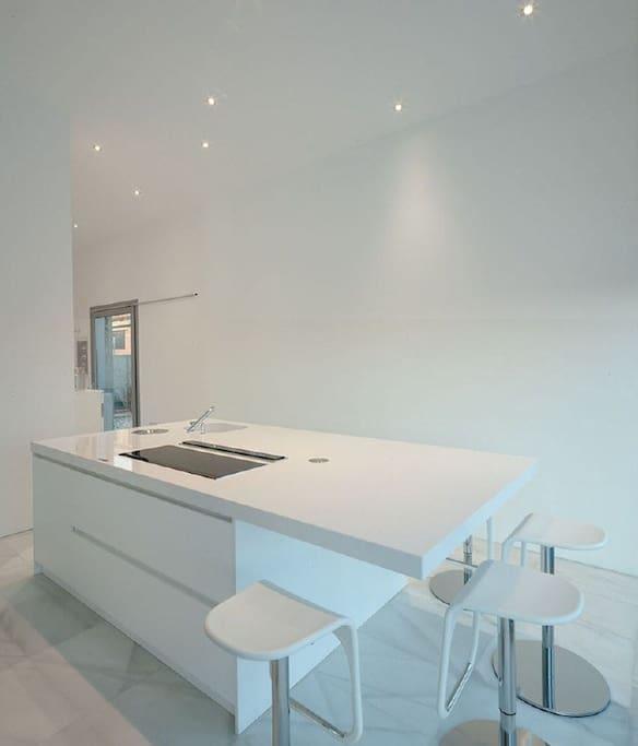 Chalet singular de dise o exclusivo en madrid - Singular kitchen madrid ...