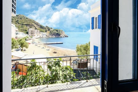 Charming Apartment in Therma near Seabeach
