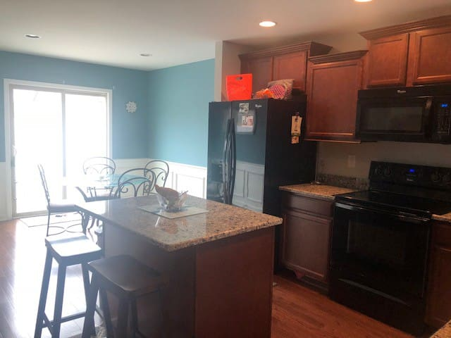 Sweet, simple townhome with spectacular amenities